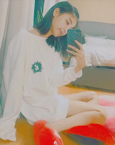 비비안 (watercolor loosy sweatshirts)